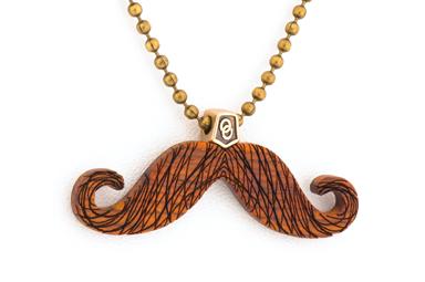 Mustasch halsband med 61cm kedja